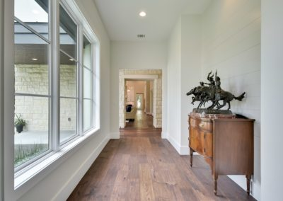 010_hallway